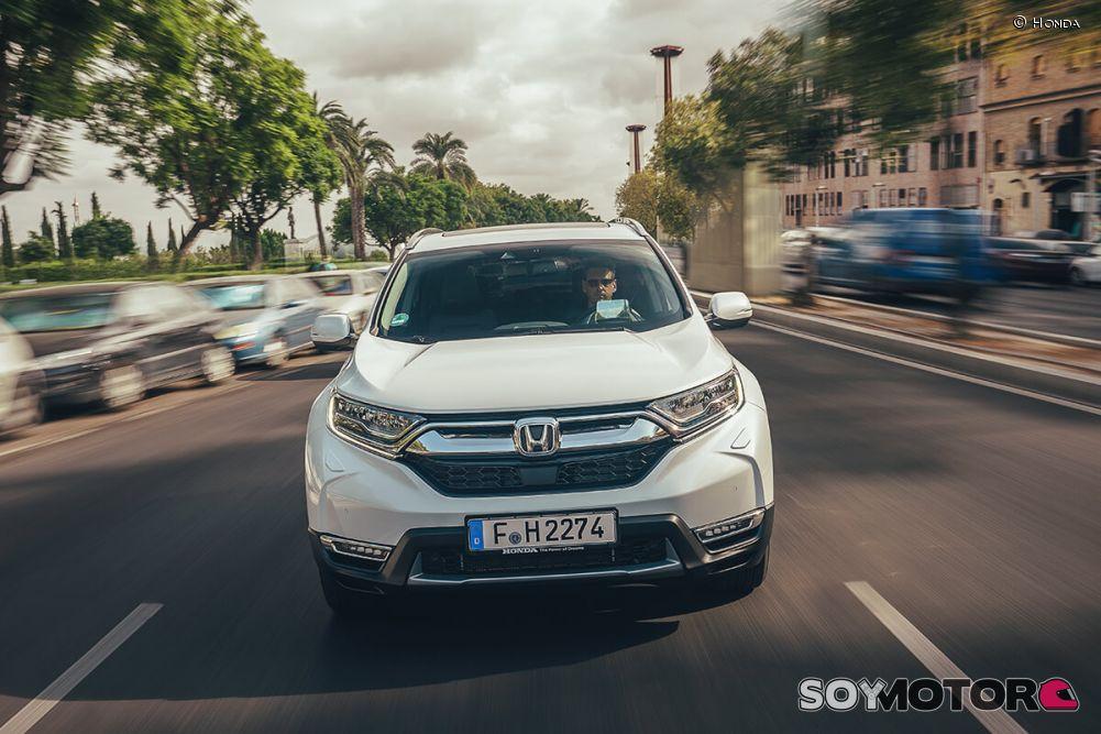 honda-cr-v-hybrid-2019-soymotor-9.jpg