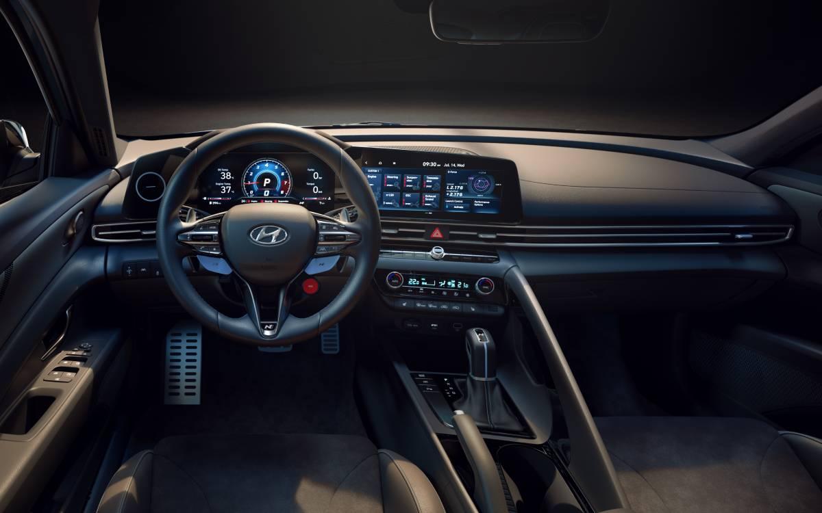 hyundai-elantra-n-2022-interior-soymotor.jpg