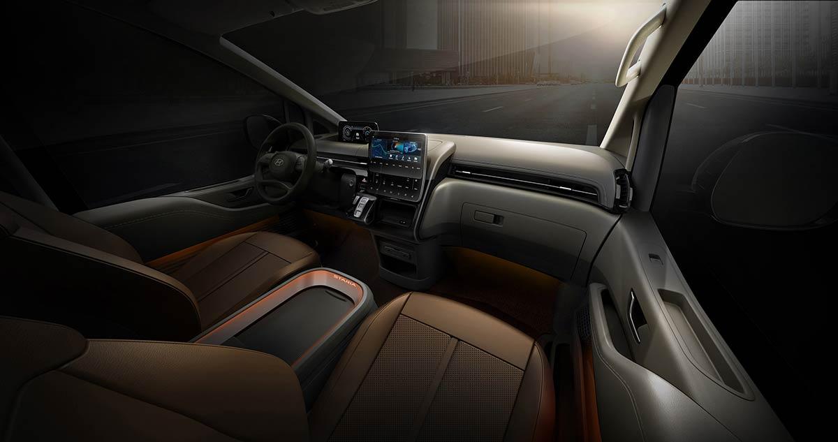 hyundai-staria-premium-interior-3-soymotor.jpg