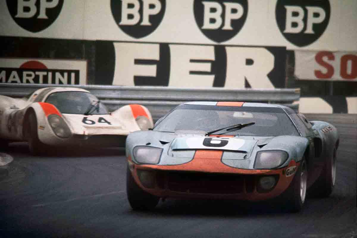 ickx-ford-gt40-herrmann-24_horas_le_mans_1969.jpg