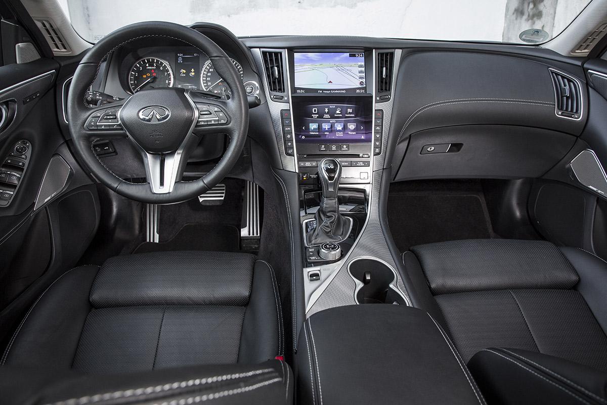 infiniti-q50-hibrido-interior-soymotor.jpg