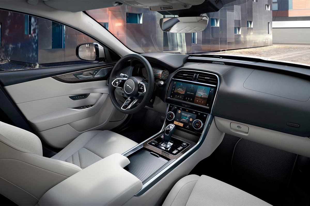 jaguar-xe-2021-interior-soymotor.jpg