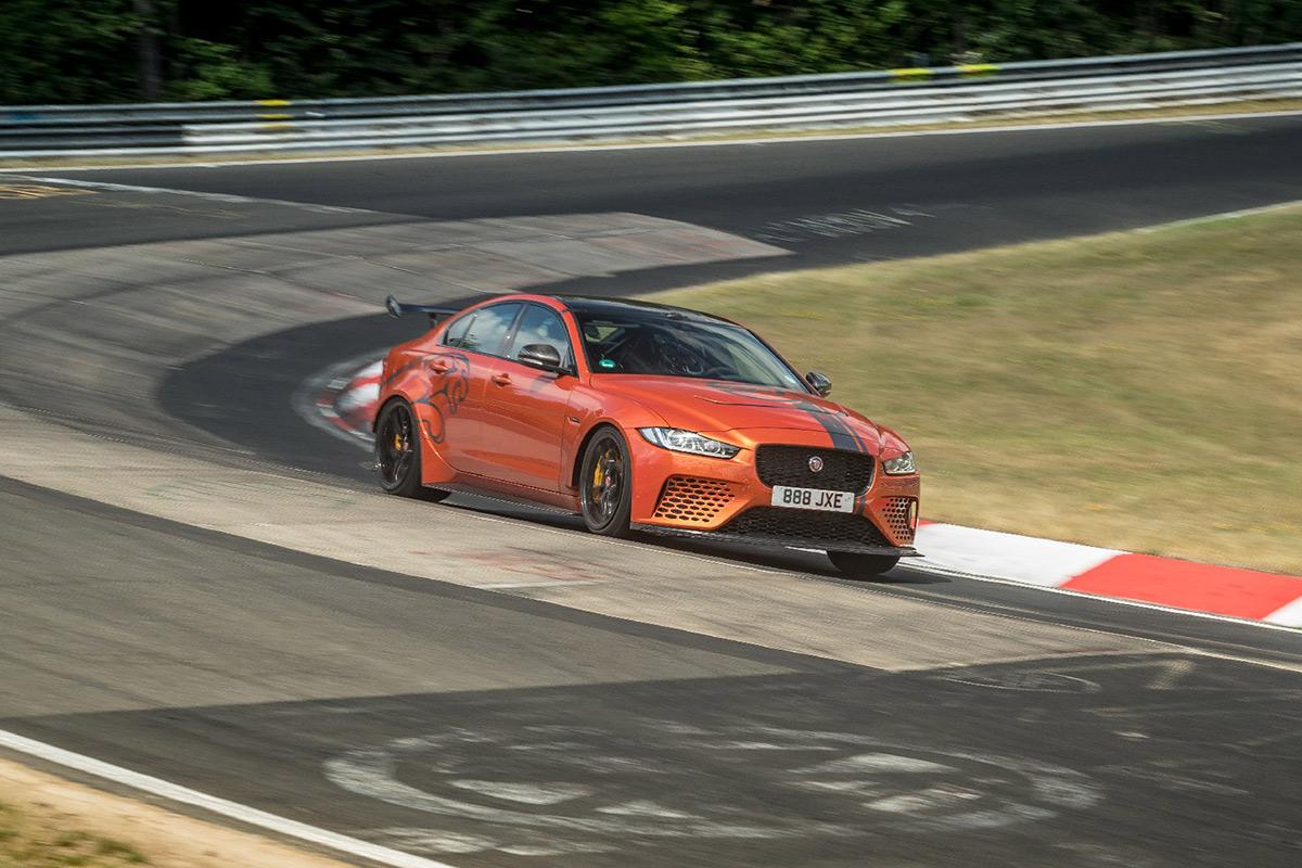 jaguar-xe-sv-project-8-record-nurburgring-2019-soymotor.jpg