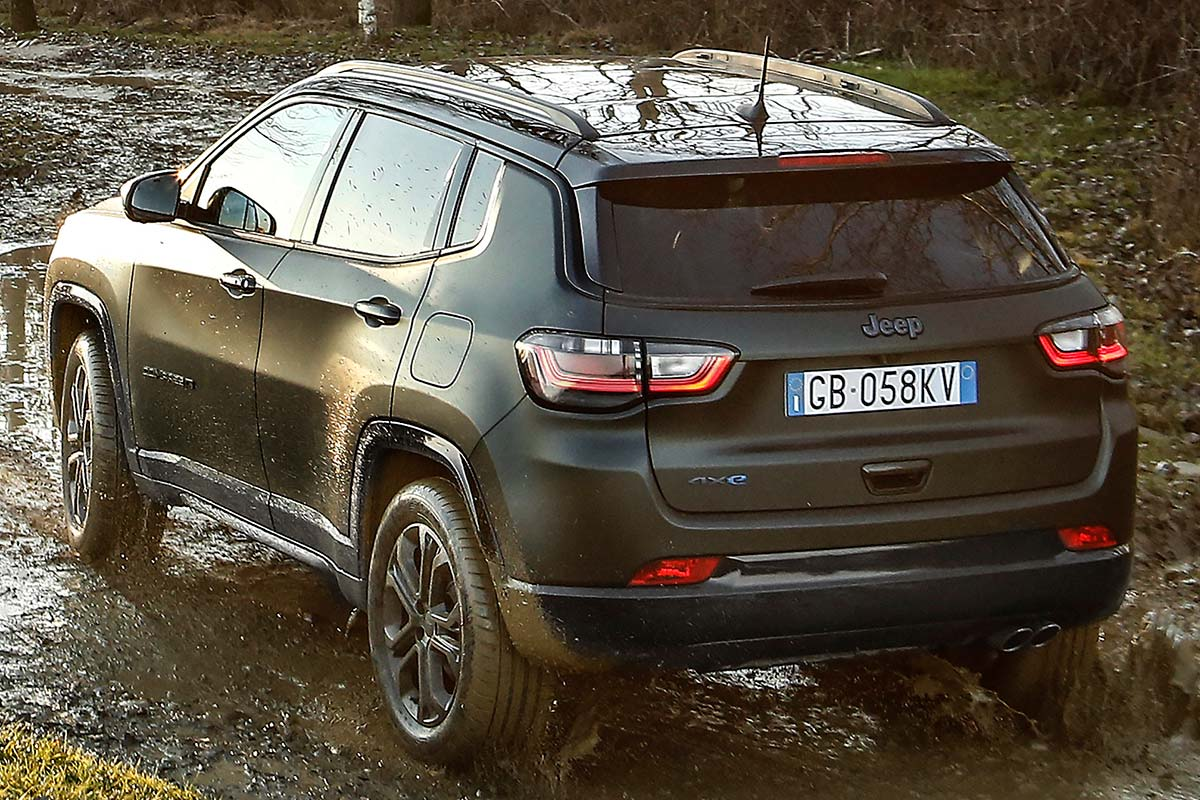 jeep-compass-80-anniversary-superior-soymotor.jpg