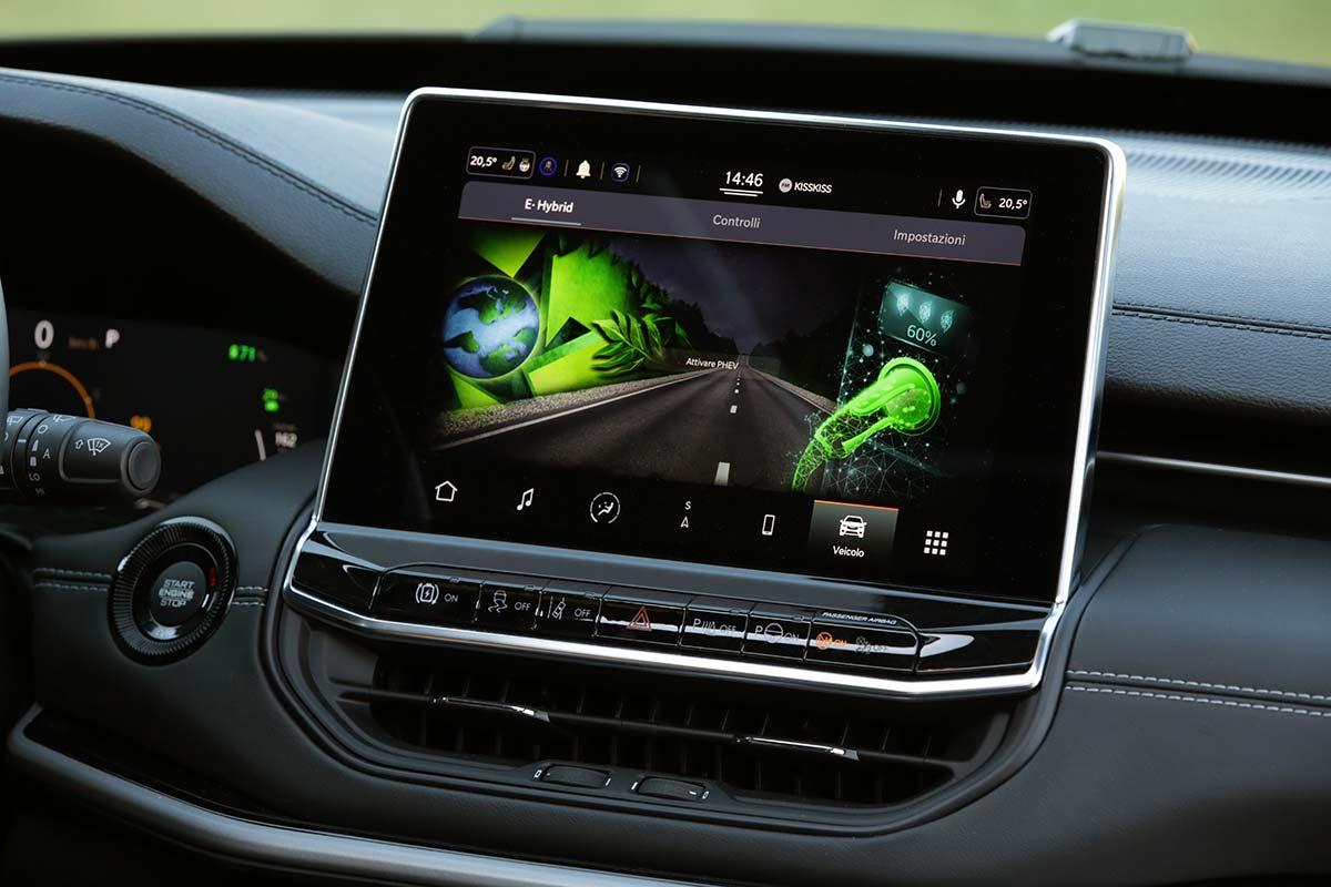 jeep-compass-pantalla-soymotor.jpg