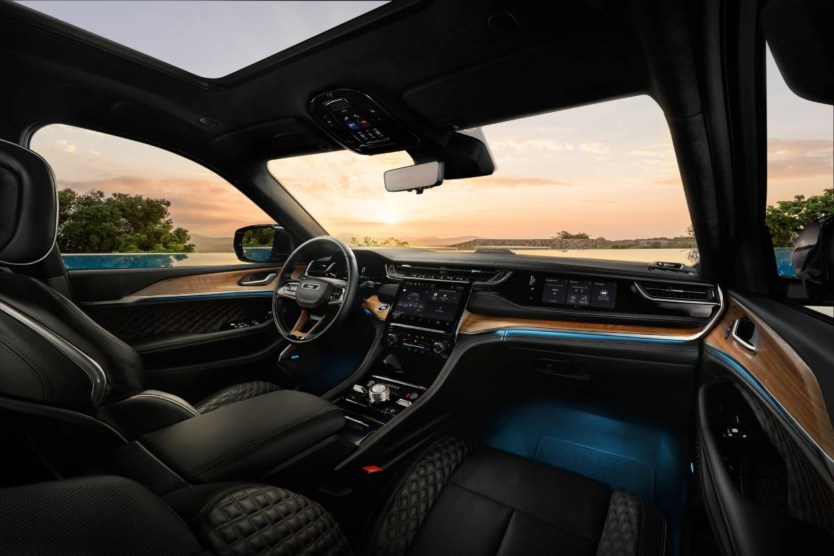jeep-grand-cherokee-2022-interior-soymotor.jpg