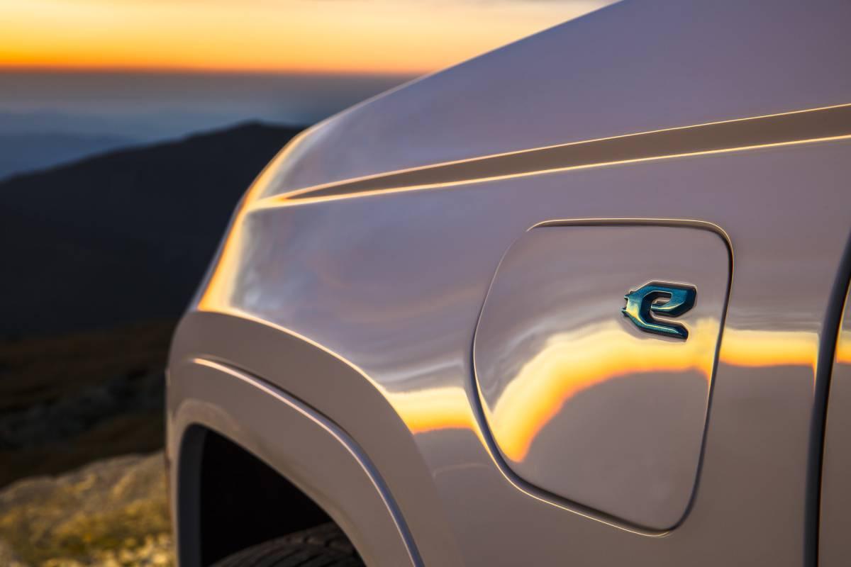 jeep-grand-cherokee-2022-phev-soymotor.jpg