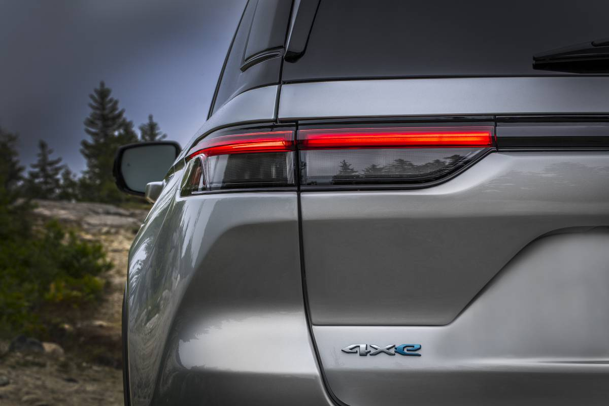 jeep-grand-cherokee-2022-zaga-soymotor.jpg