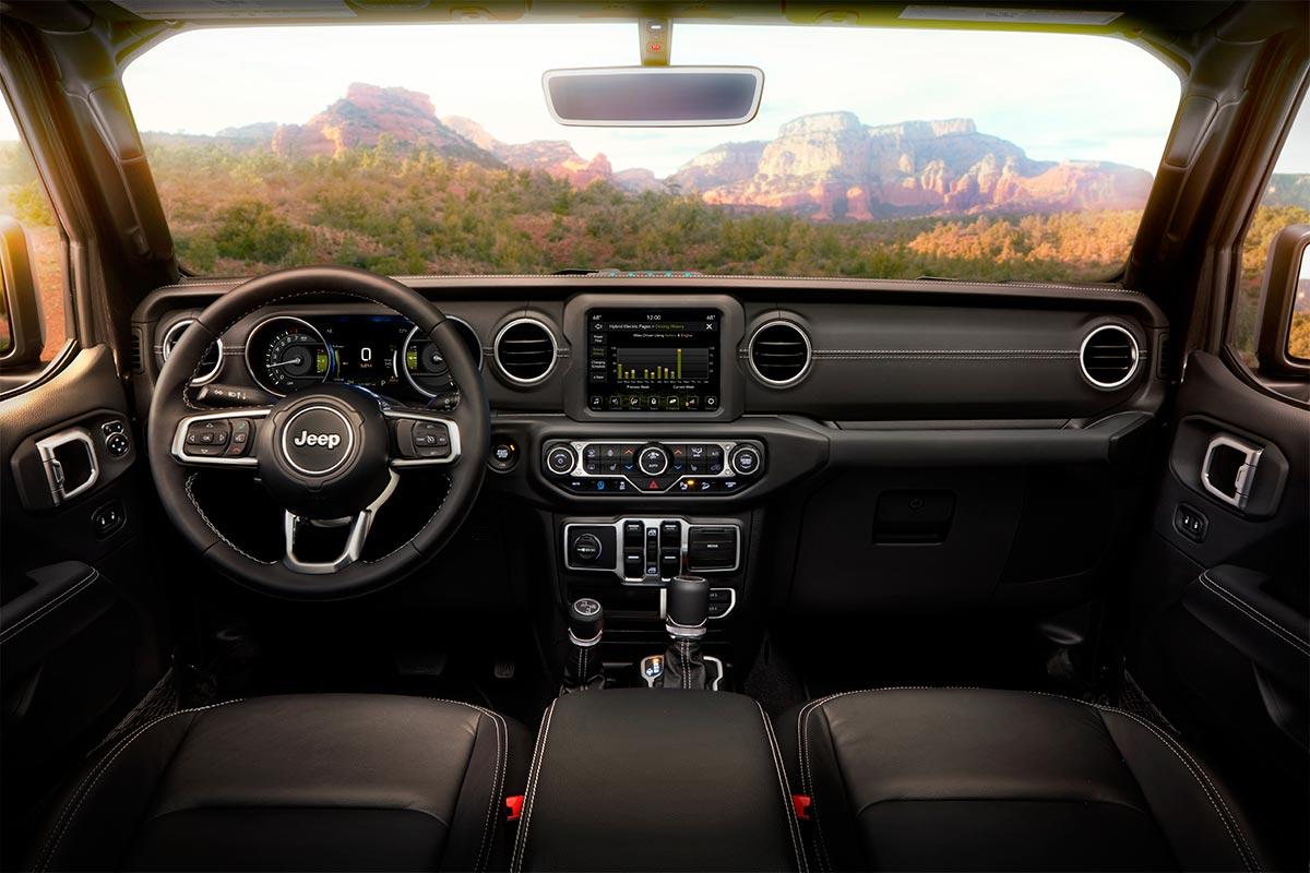 jeep-wrangler-4xe-interior-soymotor.jpg
