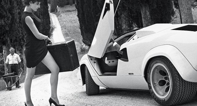 Lamborghini Countach con neumáticos Pirelli