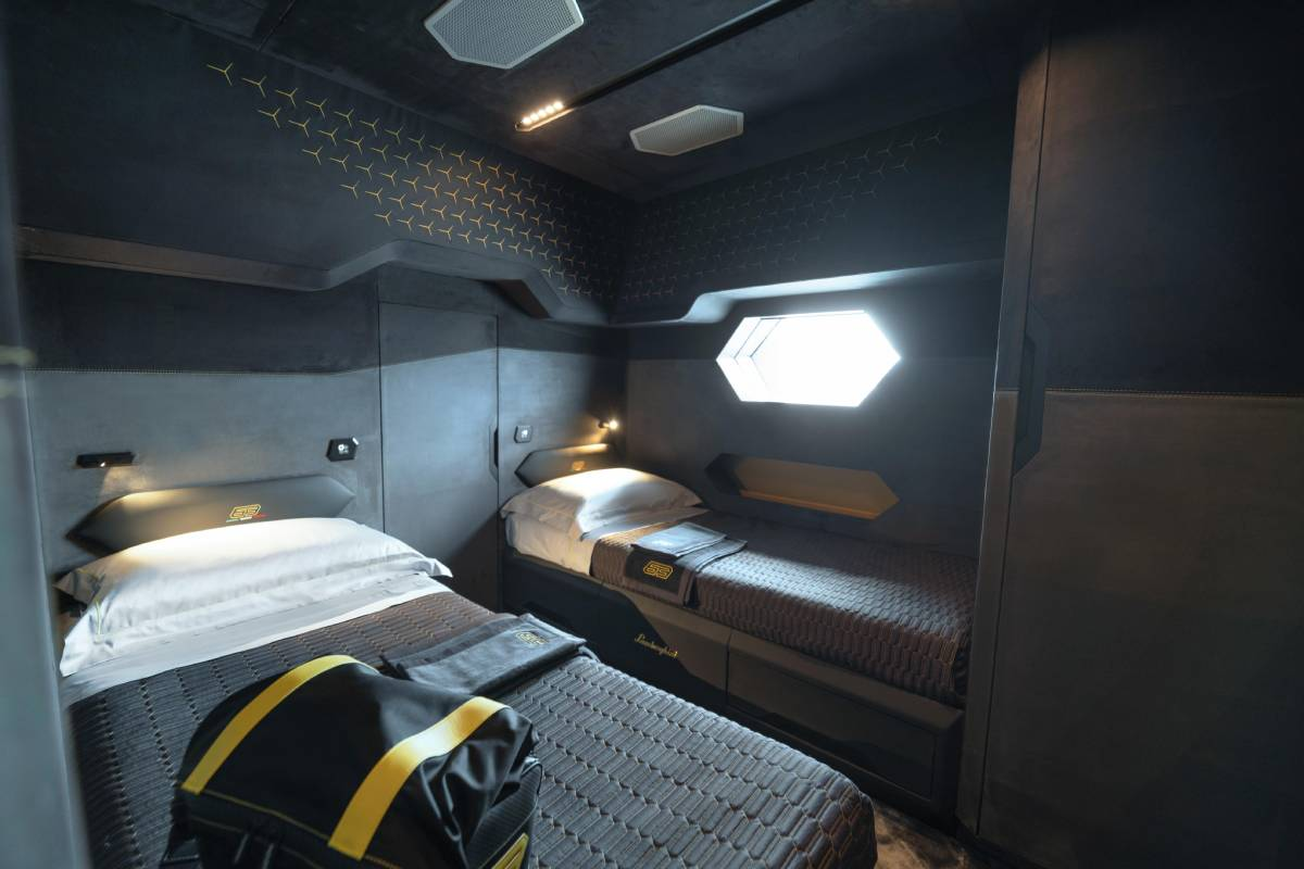 lamborghini-tecnomar-yate-interior-2-soymotor.jpg
