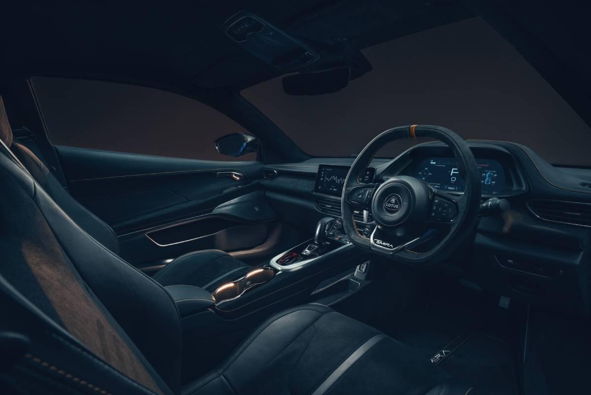 lotus-emira-interior-2-soymotor.jpg
