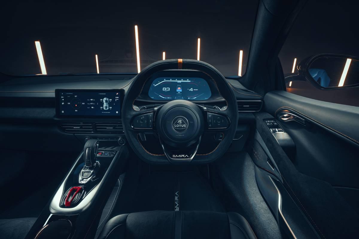 lotus-emira-interior-soymotor.jpg