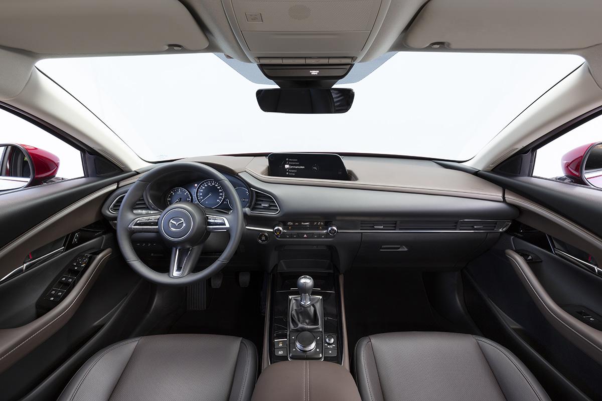 mazda_cx-30_2019_interior_01_soymotor.jpg