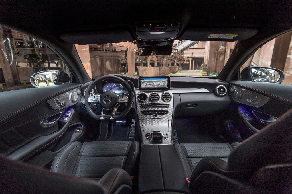 mercedes-amg_c_43_coupe_interior.jpg