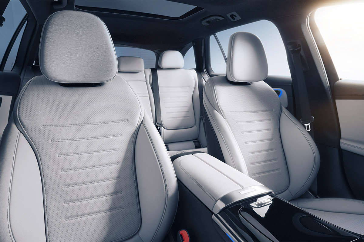 mercedes-benz-clase-c-s206-interior-soymotor.jpg