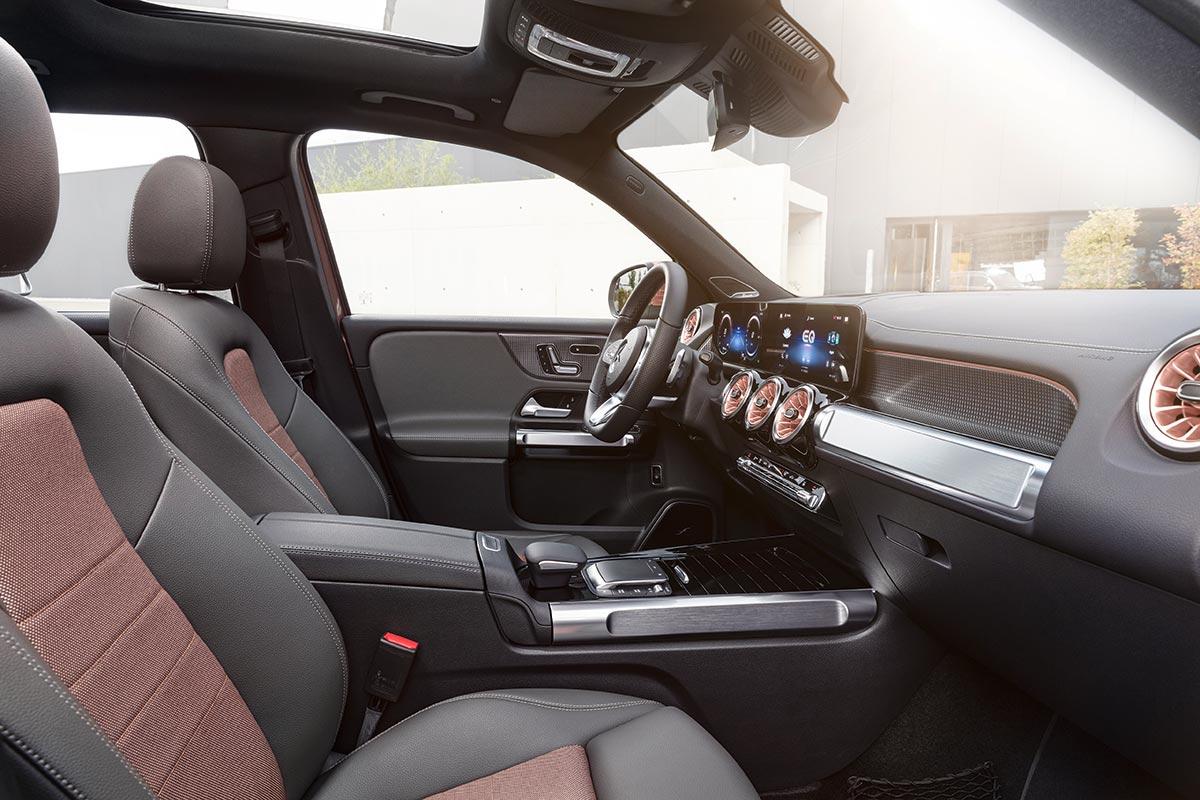 mercedes-eqb-interior-2-soymotor.jpg