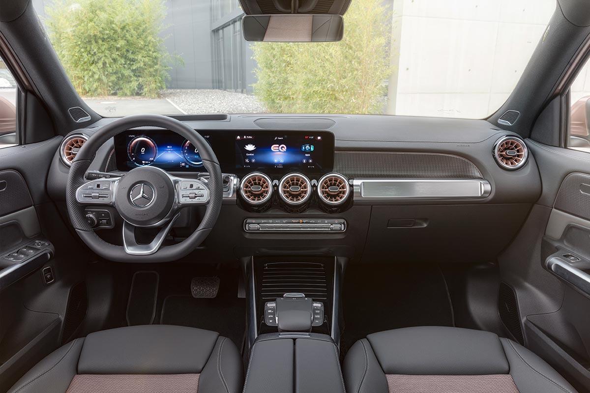 mercedes-eqb-interior-soymotor.jpg