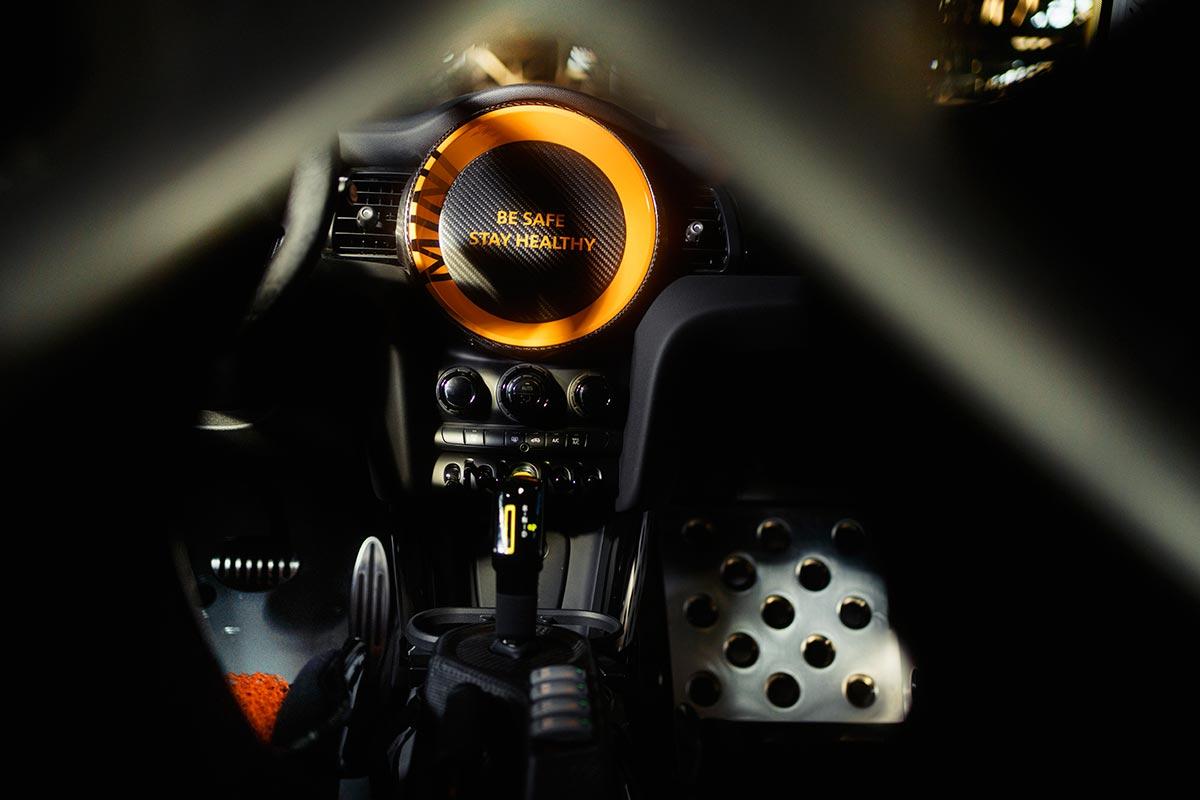 mini-electric-pacesetter-jcw-interior-soymotor.jpg