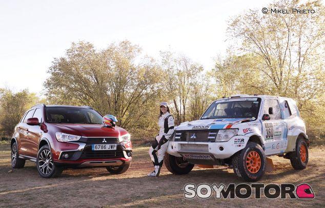 Cristina Gutiérrez con el Mitsubishi Montero y el ASX