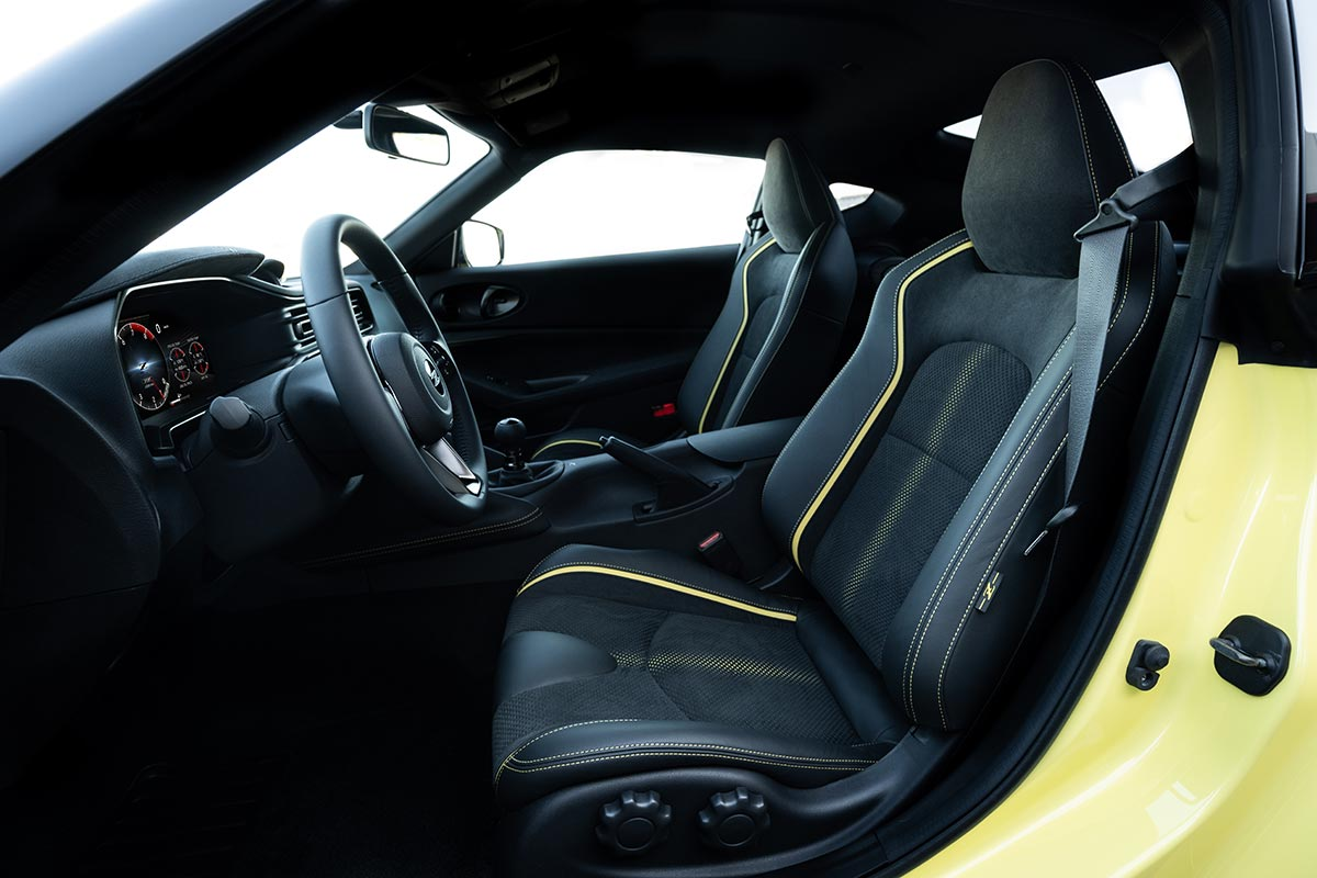 nissan-400z-interior-soymotor.jpg