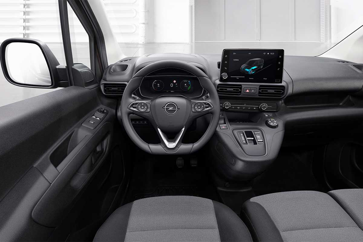 opel-combo-e-cargo-interior-soymotor.jpg