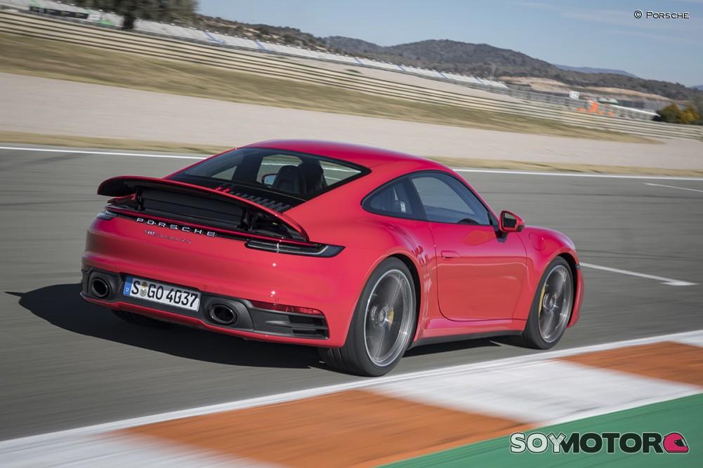 porsche-911-992-carrera-4s-soymotor-07.jpg