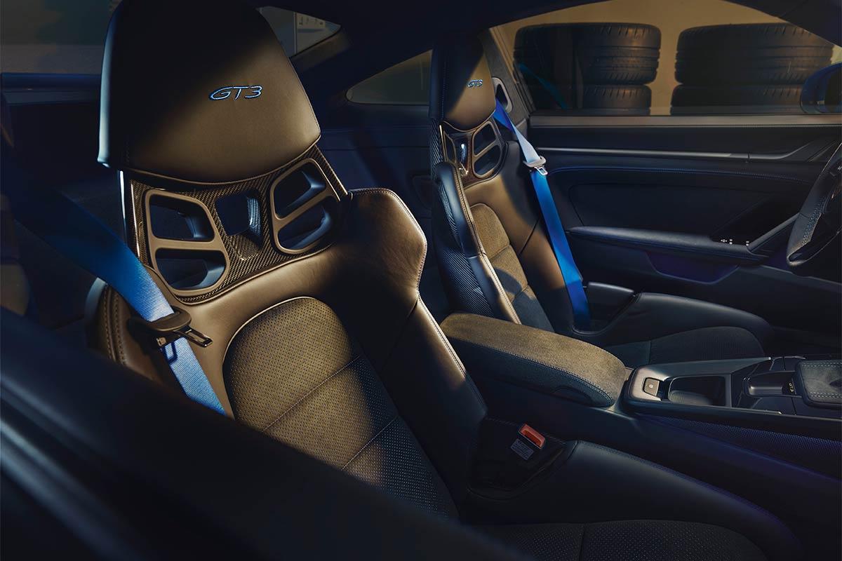 porsche-911-992-gt3-interior-2-soymotor.jpg