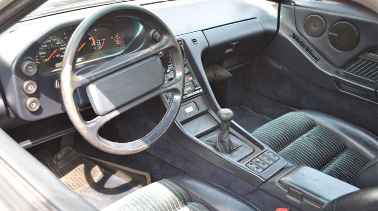 Interior del Porsche 928 S4
