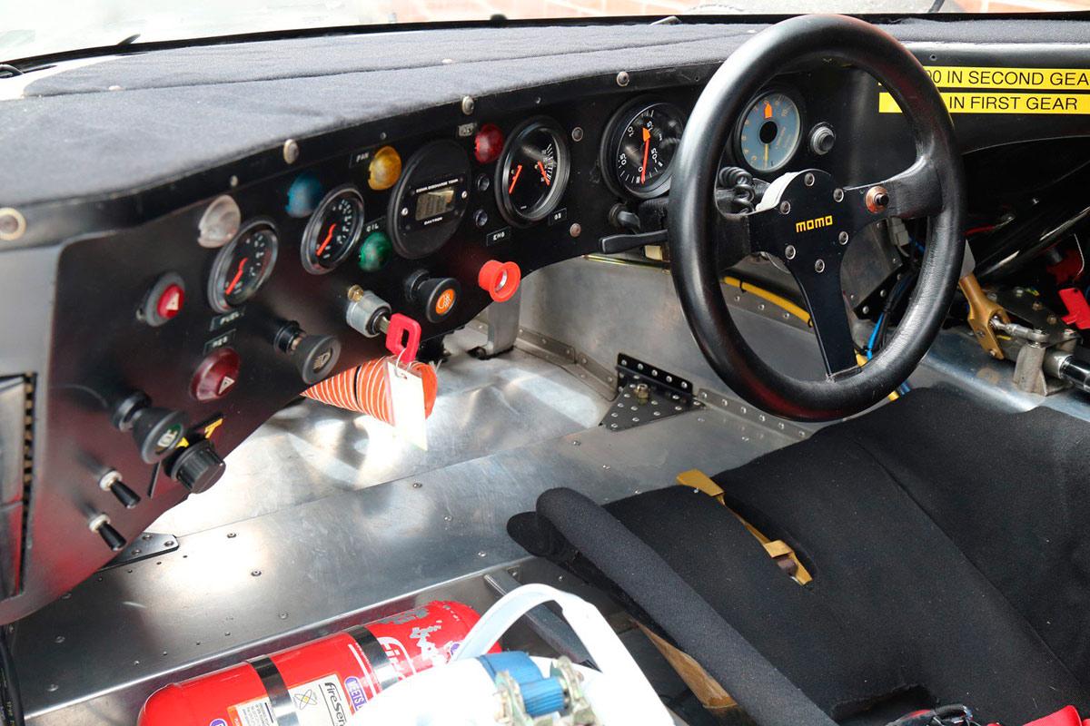 porsche-962-interior-soymotor.jpg