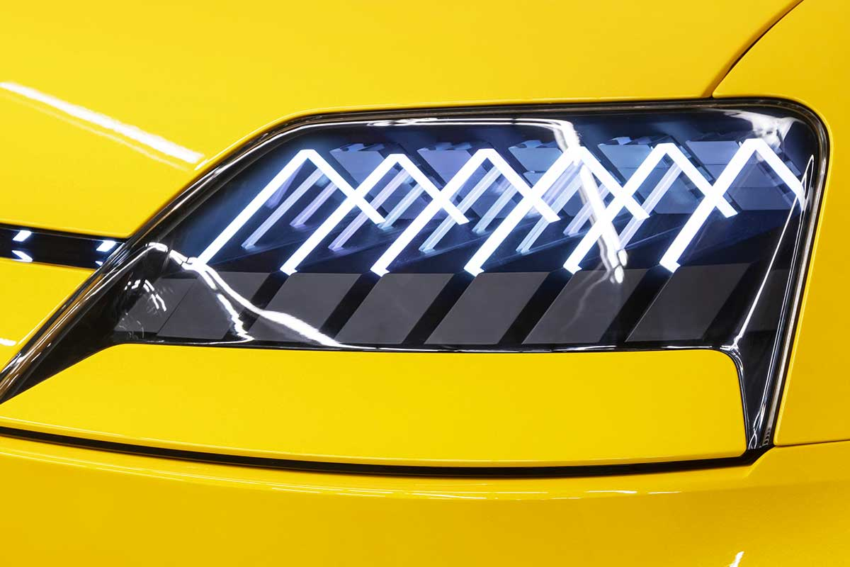 r5-luces-soymotor.jpg