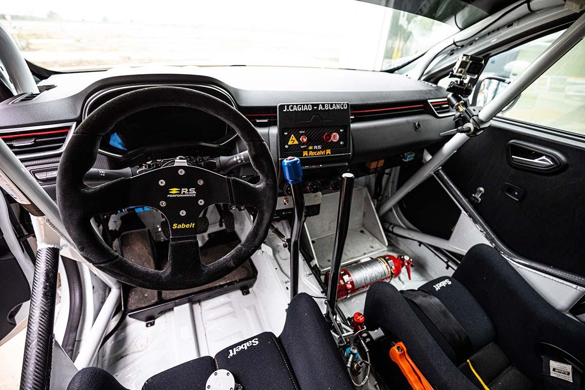 renault-clio-v-rsr-interior-soymotor.jpg