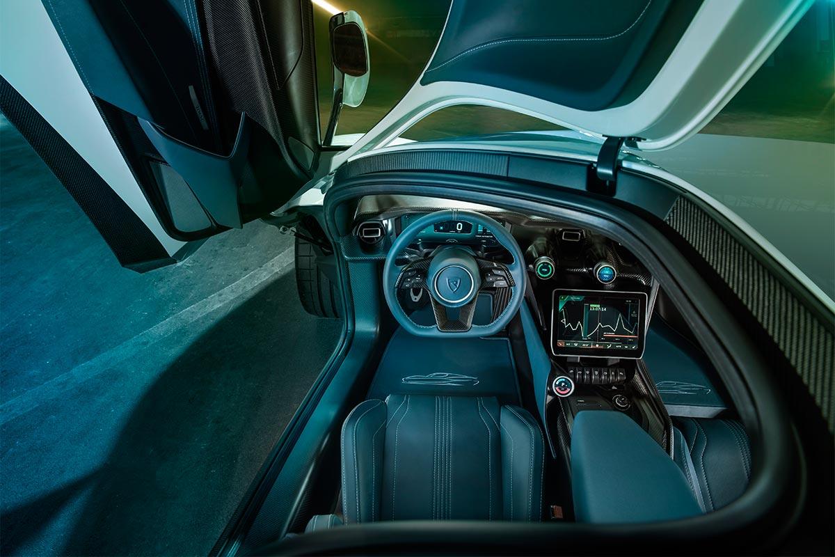 rimac-ctwo-interior-soymotor.jpg