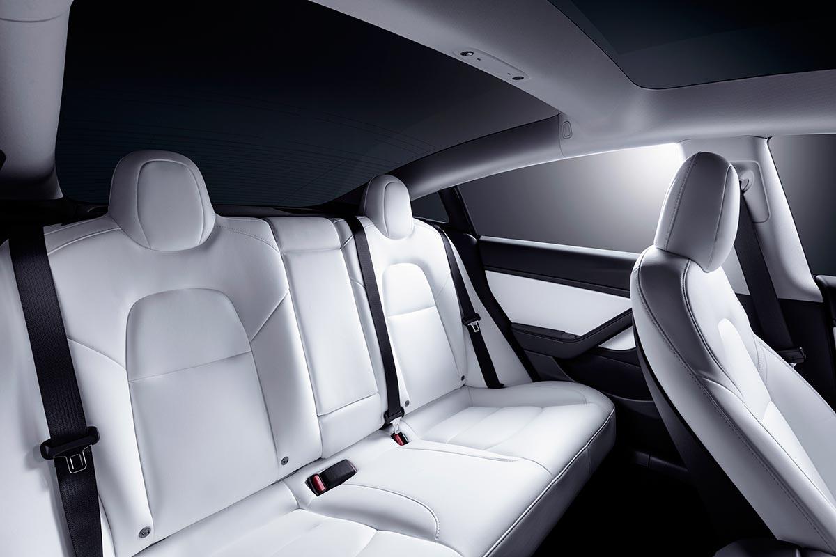 tesla-model-3-interior-4-soymotor.jpg