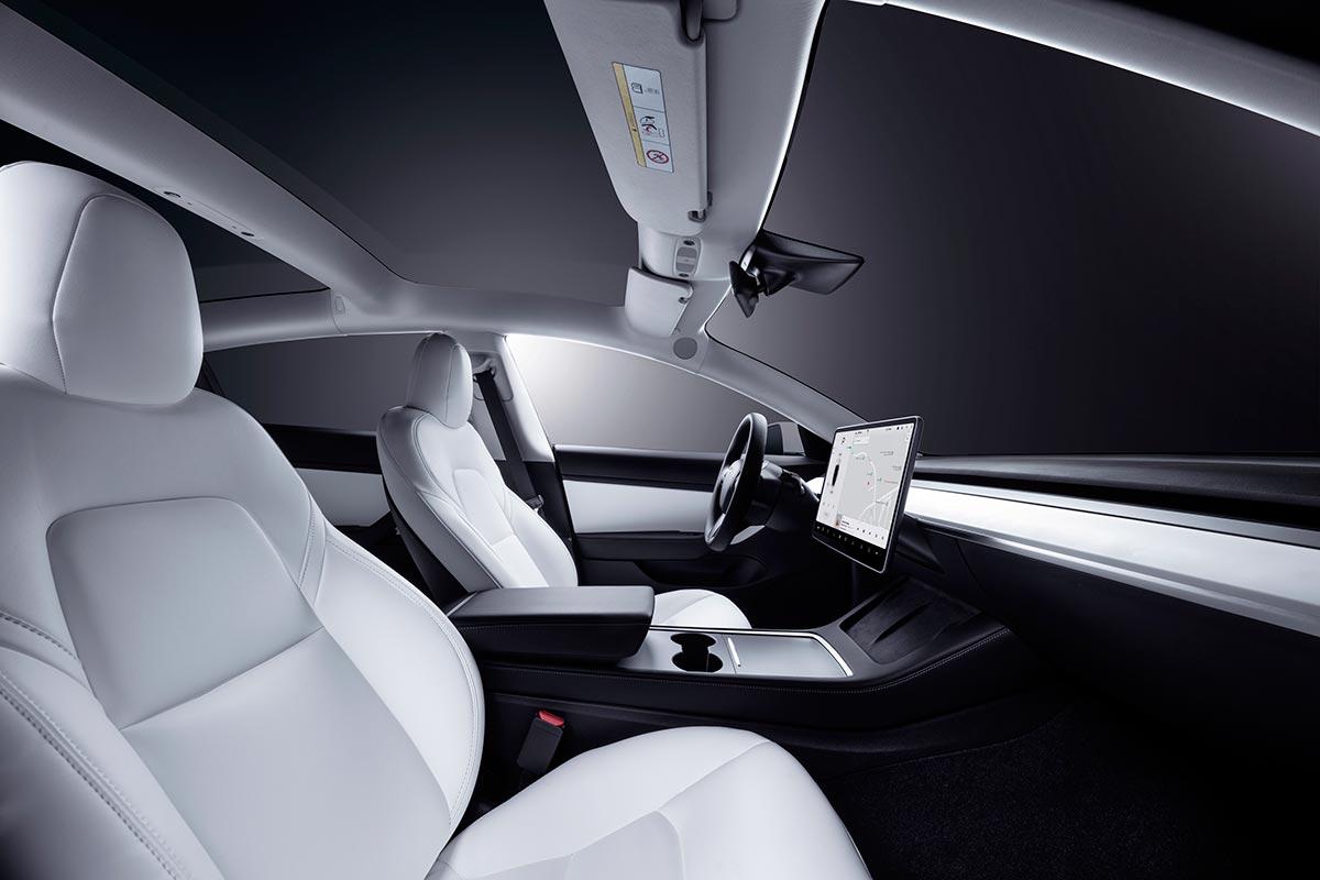 tesla-model-3-interior-7-soymotor.jpg