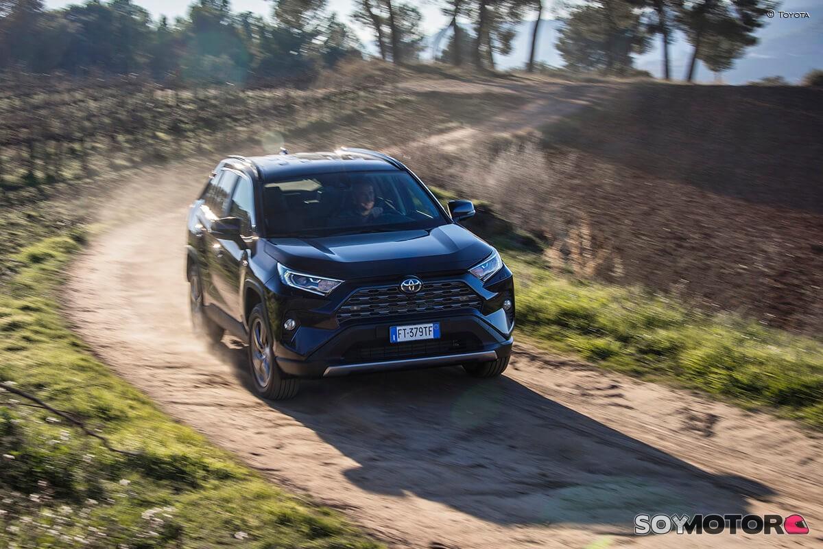 toyota-rav4-2019-luxury-soymotor-06.jpg