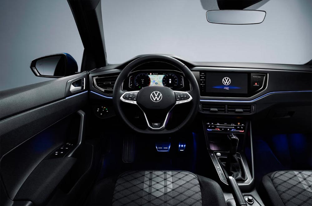 volkswagen-polo-2021-interior-3-soymotor.jpg