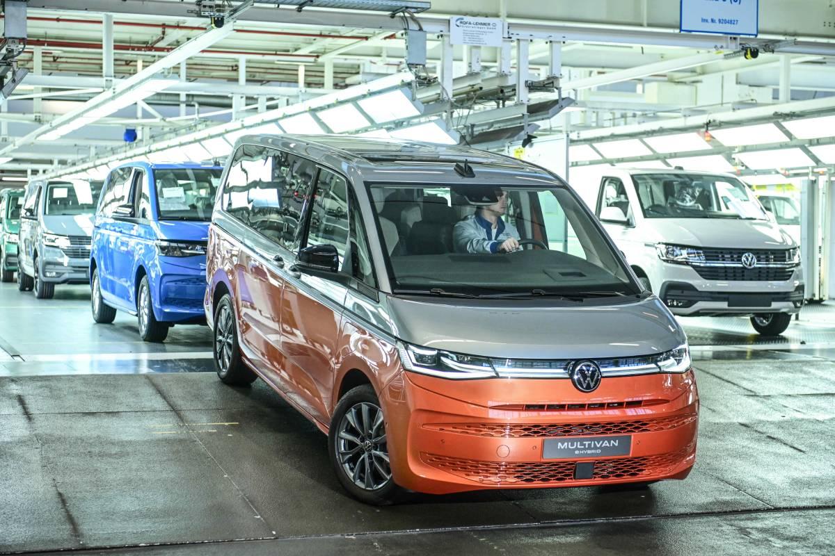 volkswagen-t7-multivan-produccion-soymotor.jpg
