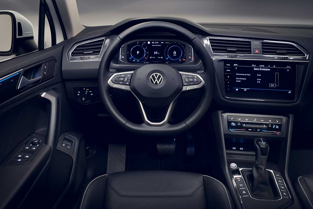 volkswagen-tiguan-ehybrid-interior-soymotor.jpg