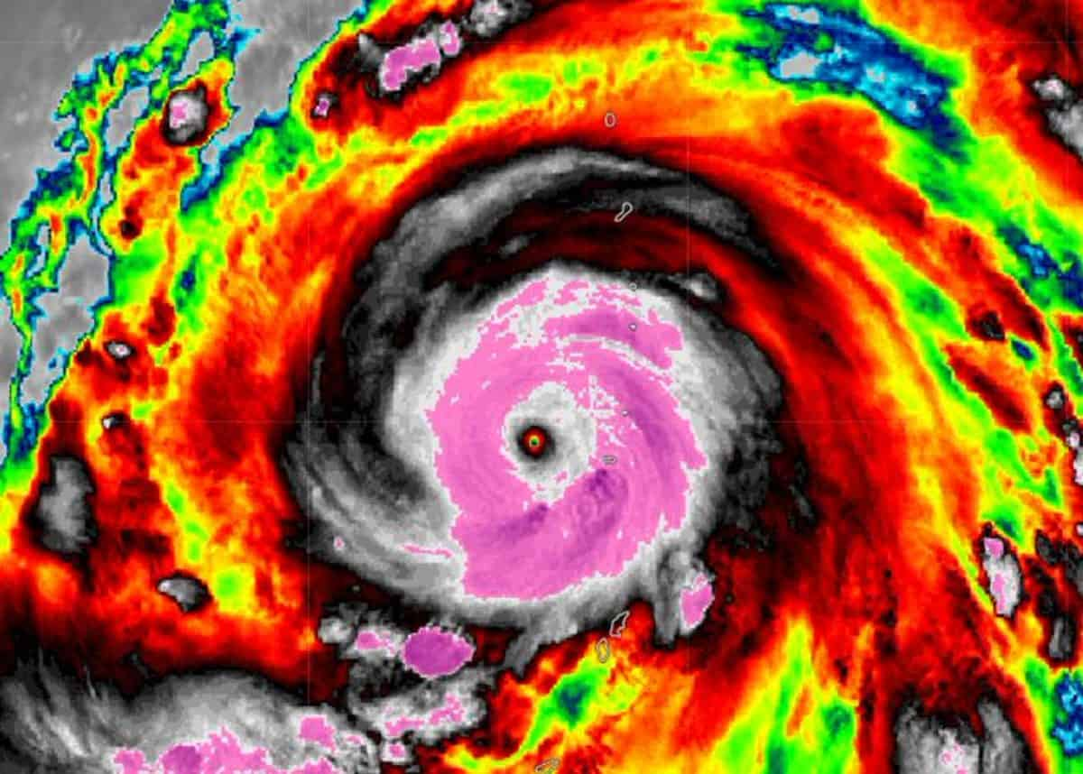 33421111-typhoon-hagibis-1200x858.jpg