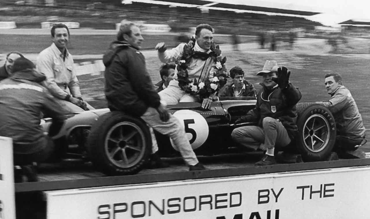 dan-gurney-f1-brands-hatch-1967.jpg