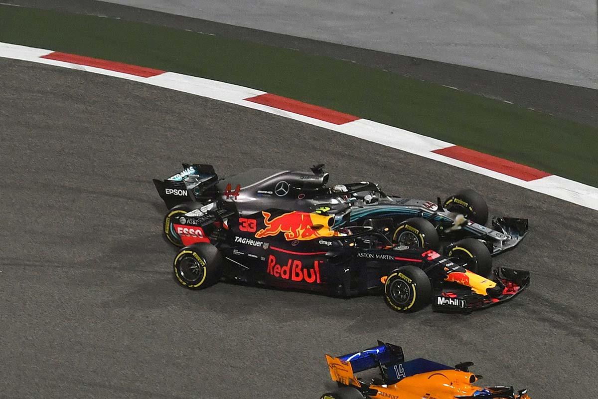 Max Verstappen y Lewis Hamilton en Baréin - SoyMotor